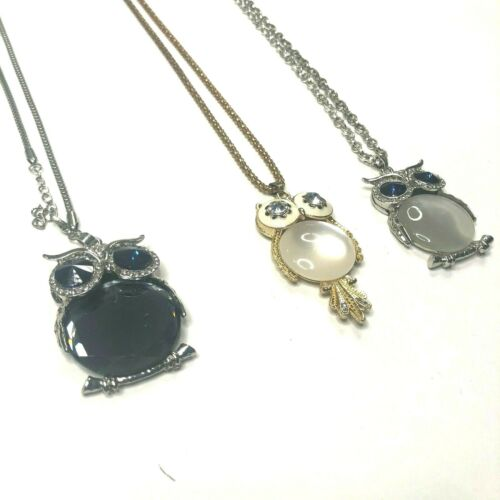 Merymak Free Shipping, Green Acrylic Rhinestone Statement Necklace on a Silver Tone Chain