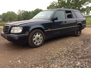 s l300 mercedes w124 s124 estate 220te breaking for parts spares ebay mercedes w124 fuse box location at webbmarketing.co