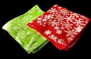 "8 Green and Red CHRISTMAS SNOWFLAKE Napkins NEW 16 1/2"""