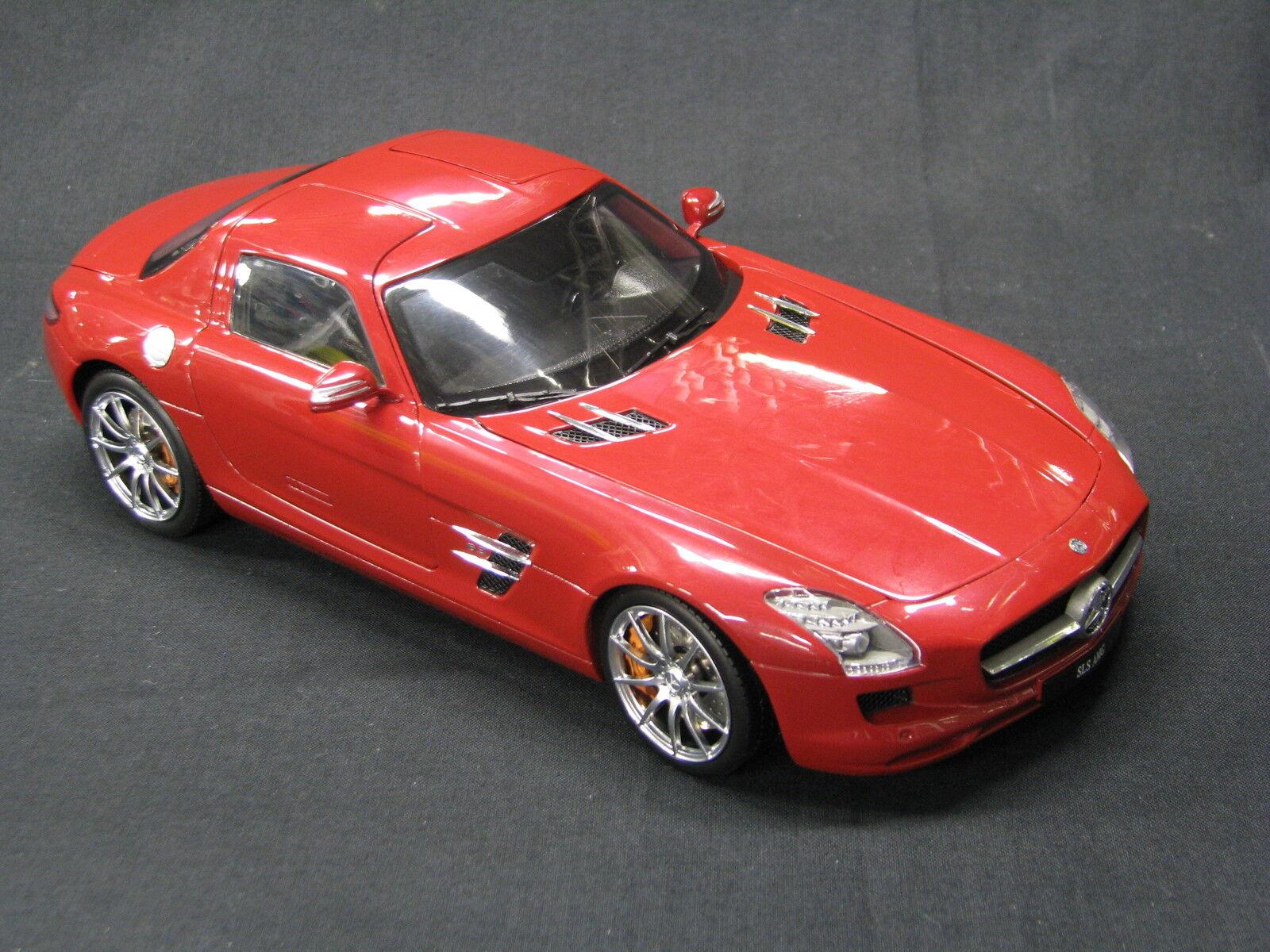 Mercedes - benz sls amg gt - 1,18 rot (mcc)