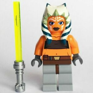 LEGO STAR WARS MINIFIGURE AHSOKA TANO YELLOW LIGHTSABER