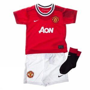 Manchester-United-Nike-red-white-home-baby-football-full-kit-2011-12-423973-623
