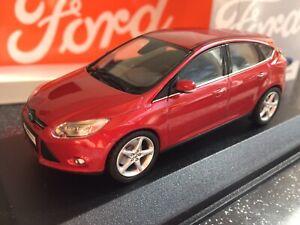 Minichamps 1:43 Ford Focus 5-door 2011 redmet