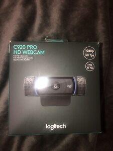 Logitech C920 HD Pro Webcam (Brand New & Box Sealed but damaged) Fast shipping ✅