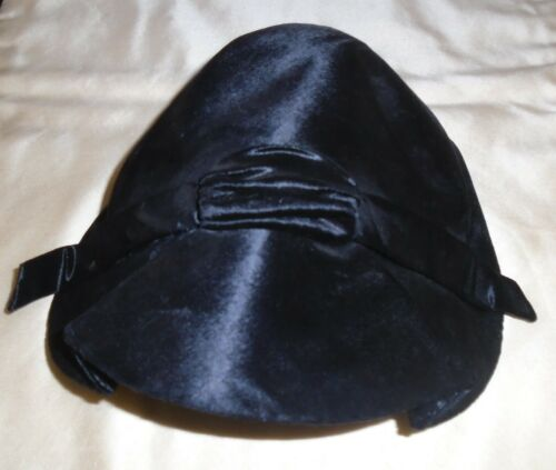 VINTAGE 1940s SHINY BLACK HAT JAY THORPE MARTIN BE