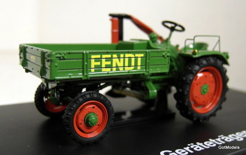 Schuco 1 43 Scale 02625 Fendt Geratetrager green diecast model tractor