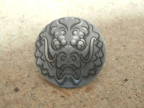 Lego Minifigura Ninjago plana escudo de plata redondo con cabeza de dragón NUEVO