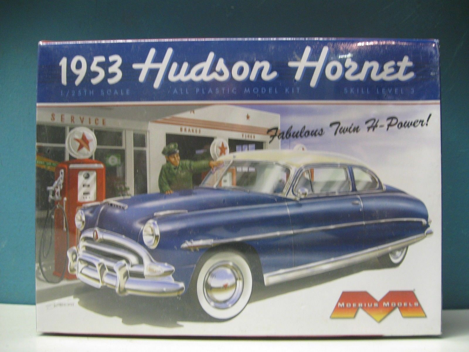 2011 discontinued moebius  25 25 25 1953 Hudson Hornet model kit new in the box 87e09a