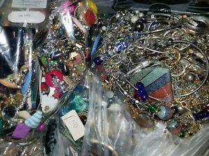 Fashion-Vintage-Estate-Jewelry-Lot-All-Good-No-Junk-Unsearched-12-pcs