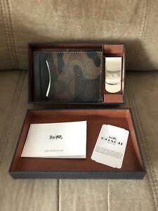 83a4cab5e2447 Coach Mens 3 in 1 Card Case w  Money Clip Gift Box Set in Signature ...