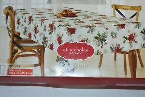 NEW-NIP-Christmas-Holiday-Tablecloth-Poinsettia-Holly-Oblong-60x120-034-Washable