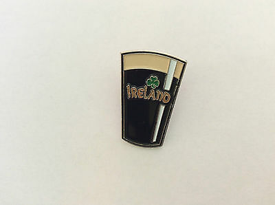 Ireland Map /& Round Tower Pin Badge T331