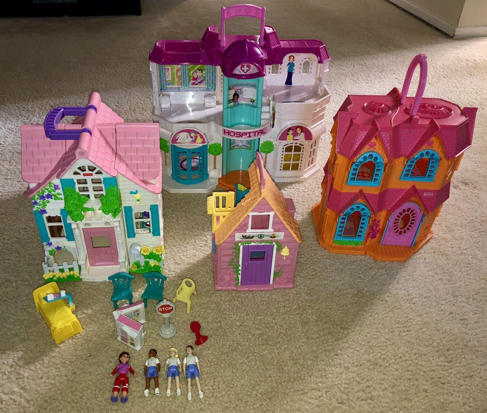 4 Fisher Price Sets Houses And Hospital