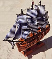 """VINTAGE 1996 HMS BOUNTY - 9"""" WOODEN REPLICA - TALL SHIPS OF THE WORLD COLLECTION"""