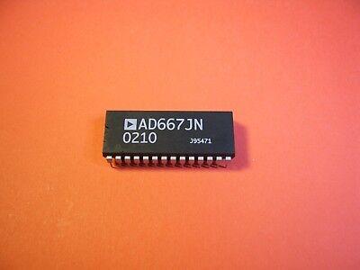 1PCS AD667KN Microprocessor-Compatible 12-Bit D//A Converter