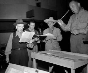 OLD-CBS-RADIO-PHOTO-Radio-Program-The-Durante-Moore-with-Bing-Crosby-2