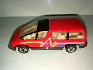 RARE-VINTAGE-Hot-Wheels-1990-Chevy-Lumina-Minivan-Red-with-Black-Trim