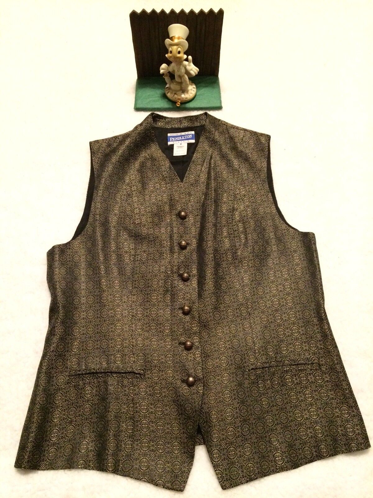 Pendleton Women's Sleeveless Pattern gold Brass Ball Button Vest - Size 8 NICE