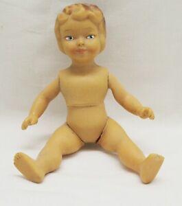 Alte-Vintage-Aradeanca-Gummi-Rubber-Puppe-Doll-60-70s-Rumaenien-Spielzeug-17-5-cm