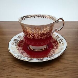 Elizabethan Fine Bone China England 5223 Teacup Saucer White, Red, Gold