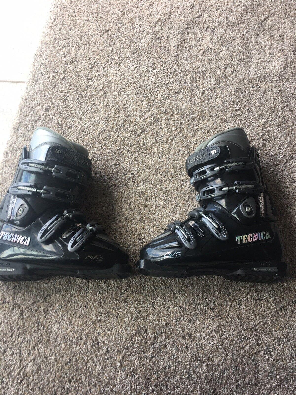 Tecnica 7X inno TEC Ski Boots - Size 5.5 anti vibration system Used