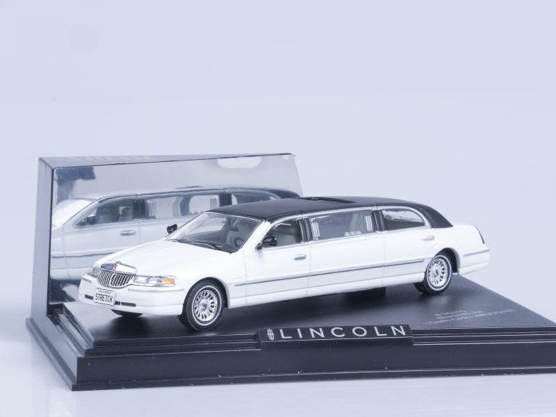 servicio considerado Modelo de de de escala 1 43 Lincoln limusina 2000-blancoo (negro a prueba)  envio rapido a ti