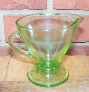 Vintage-Green-Vaseline-Creamer-Depression-Glass
