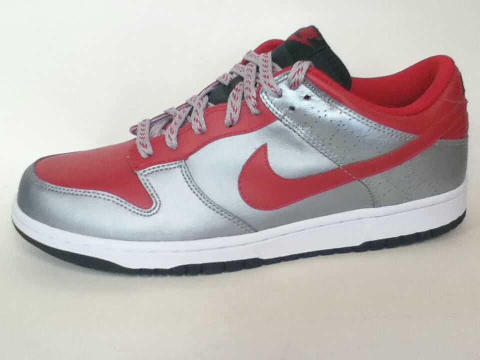AUTHENTIC NIKE NIKE NIKE DUNK LOW 318019-661 50a1b1