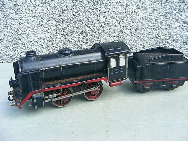 Antique Marklin Clockwork Locomotive And Tender