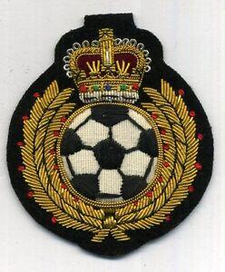 Koenig-FUSSBALL-Fussball-Aufnaeher-mit-gestickter-Krone-und-Fussball