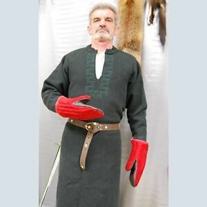 Two-finger padded cotton gauntlets protection medieval training fencing gambeson
