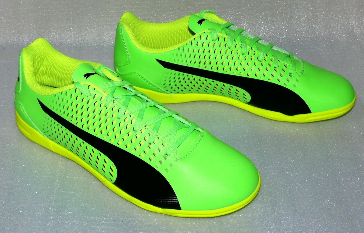 Puma Bdreno 3 IT 10404701 Herren Schuhe Fußball Sneaker EU 40,5 Neon Grün Gelb