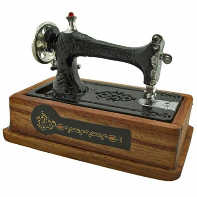 Vintage Black Sewing Machine Knitting Tool 1/12 Doll's House Dollhouse Miniature