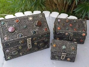 VINTAGE LARGE THREE PIECE SET COPPER JEWELRY BOX WITH NATURAL STONES