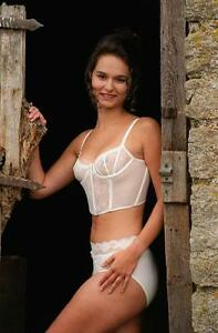 Julie Stichbury Nude Photos 9