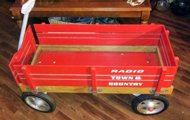 Radio Flyer Town And Country Wagon For