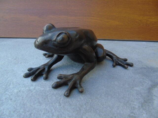 Grenouille en bronze ,statue d une grenouille exotique , bronze animalier