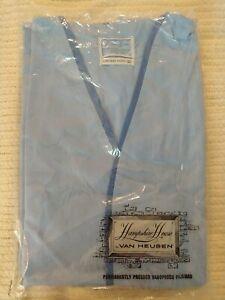 Vintage-Van-Huesen-Leisurewear-Lounge-Coat-Size-D-Light-Blue-Belted-pockets
