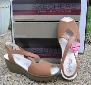 23d2a52f44f0 NEW Ladies SKECHERS Tan Parallel Piazza Memory Foam Comfort Sandals ...