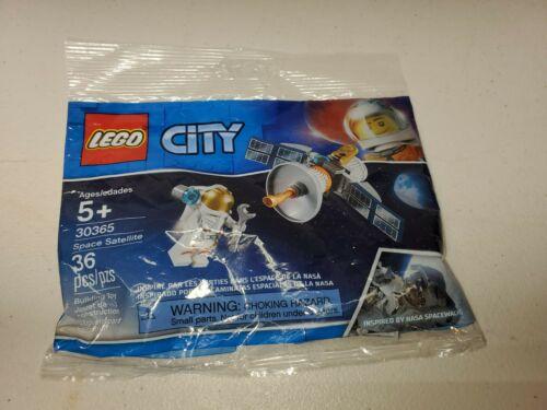 NEW LEGO CITY SPACE SATELLITE 30365 Sealed Polybag NASA Astronaut FAST FREE SHIP
