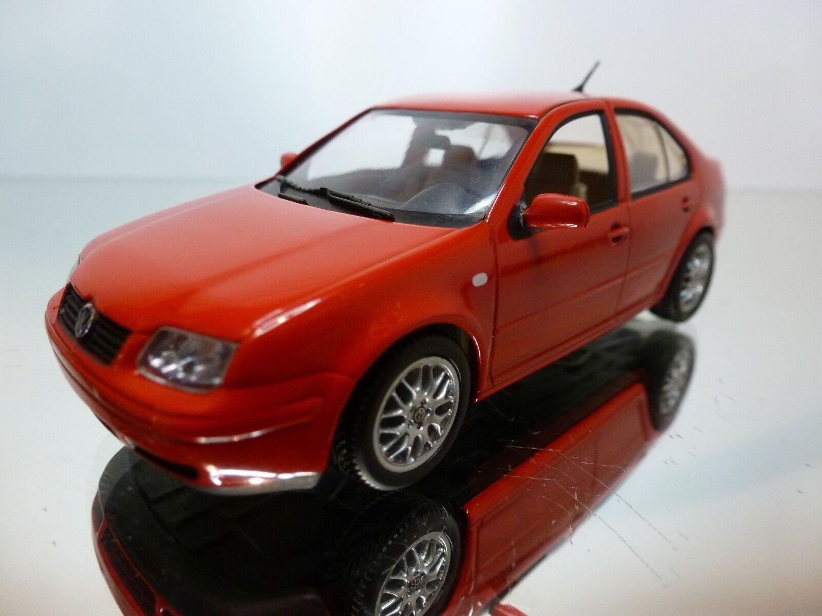 MINICHAMPS VW VOLKSWAGEN BORA - rouge 1 43 - EXCELLENT CONDITION - 13 9