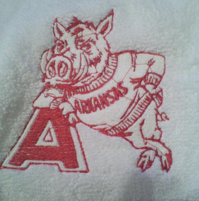 ARKANSAS RAZORBACK EMBROIDER SET 2 BATHROOM HAND TOWEL | eBay
