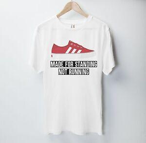 Scarpe-da-ginnastica-realizzate-per-stare-in-piedi-non-in-esecuzione-T-Shirt-Top-Scarpe-Adidas-stile