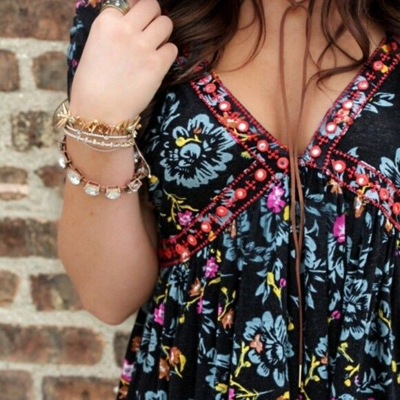 NWT   Free People Escapades Floral Print Embroiderot Top Blouse Größe M