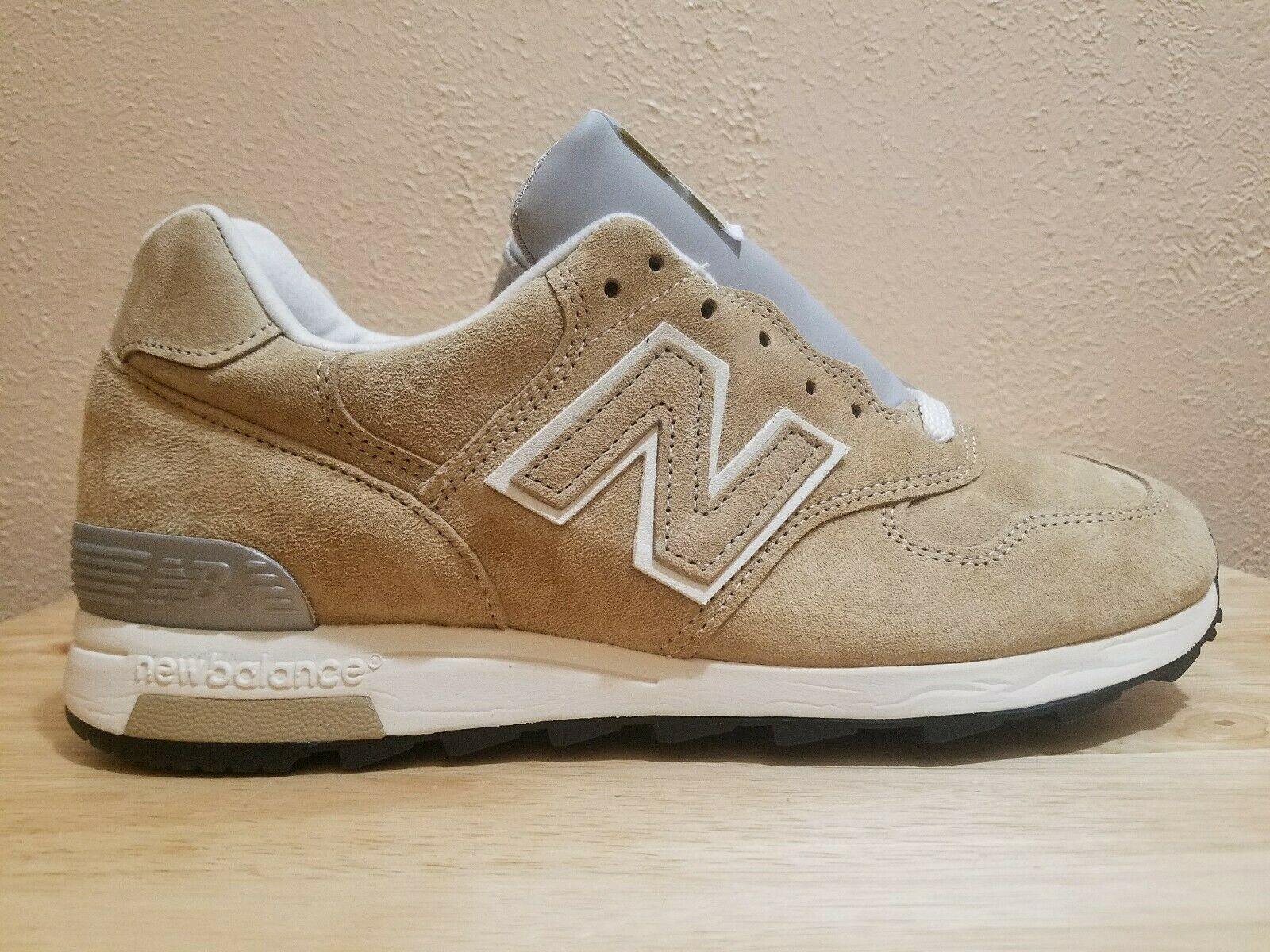 New Balance 1400 Suede Running shoes Made in USA Khaki   White Men's Size 8