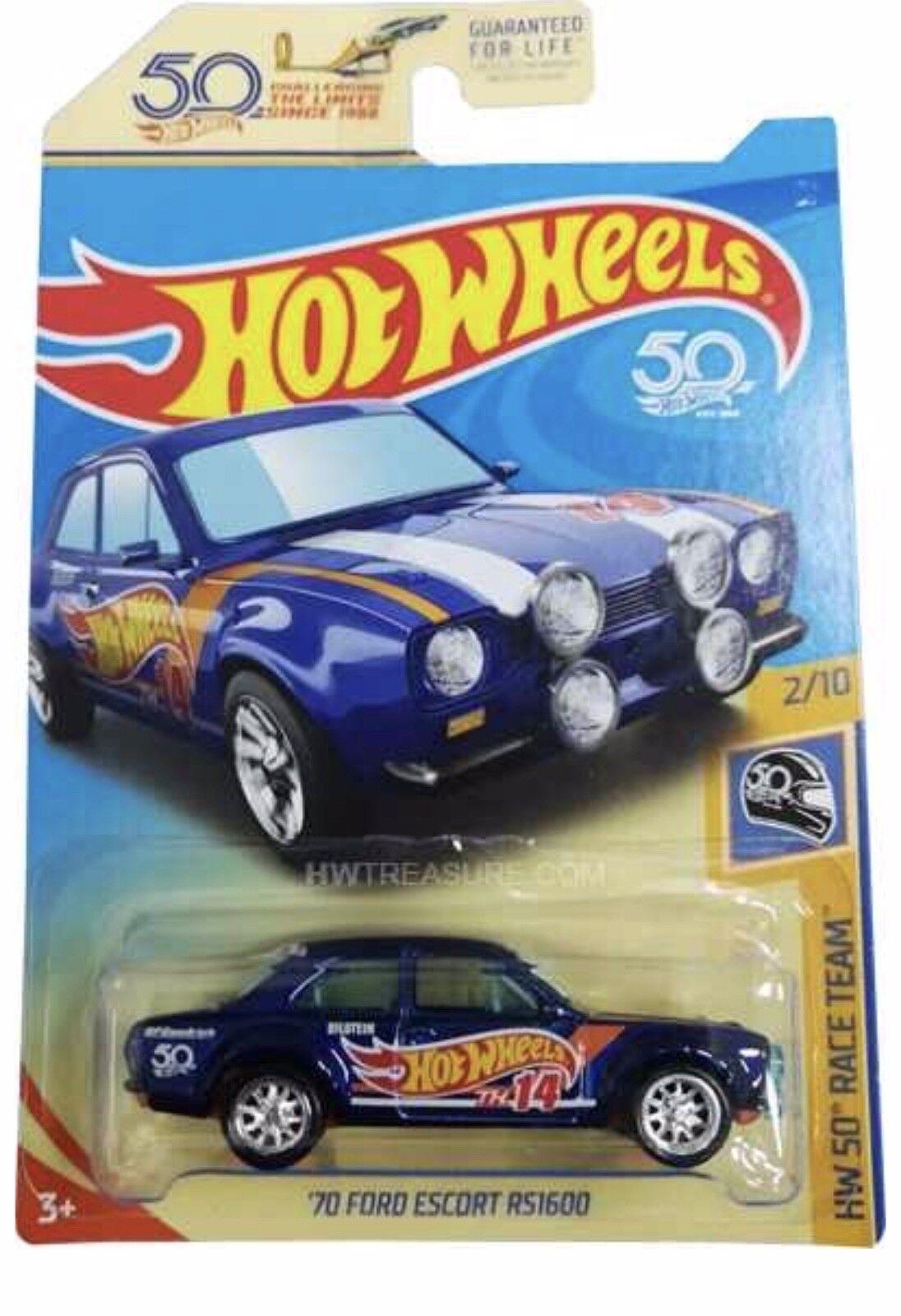 Hot Wheels Super Treasure Hunt '70 Ford Escort RS1600 And The Regular Escort