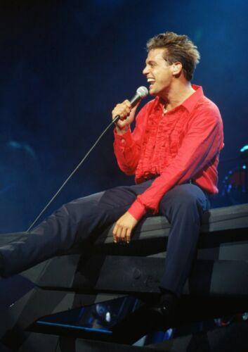 Art print POSTER// CANVAS  Luis Miguel Sings