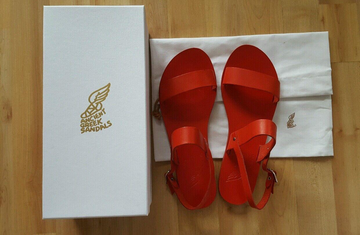 Selten: Luxus-Sandalen von