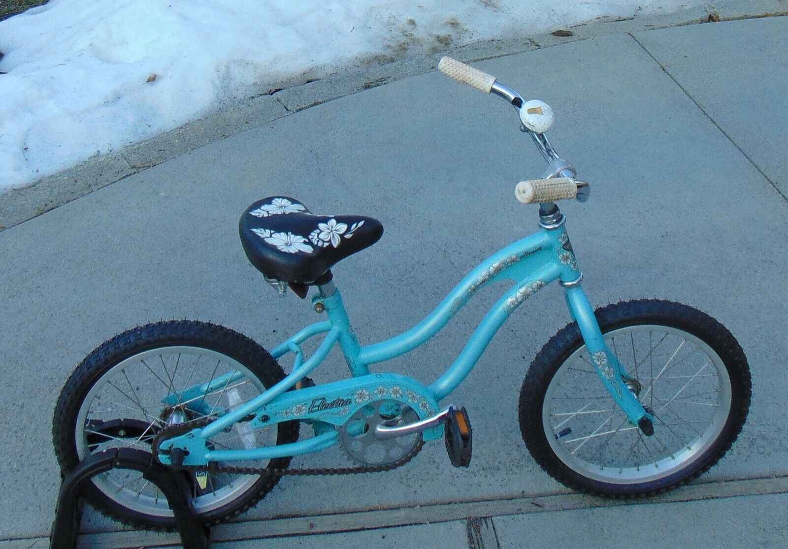 Electra Hawaii Youth 16  Girls Beach Cruiser Bike Bicycle bluee