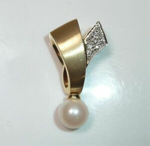 585 Gold Anhänger, Gleiter - 0.10 ct Diamanten + Akoya Perle Gr: 26 mm lang 4 gr